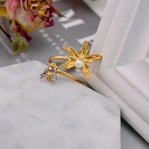 Tory Burch Exquisite Bee Flower Open Ring